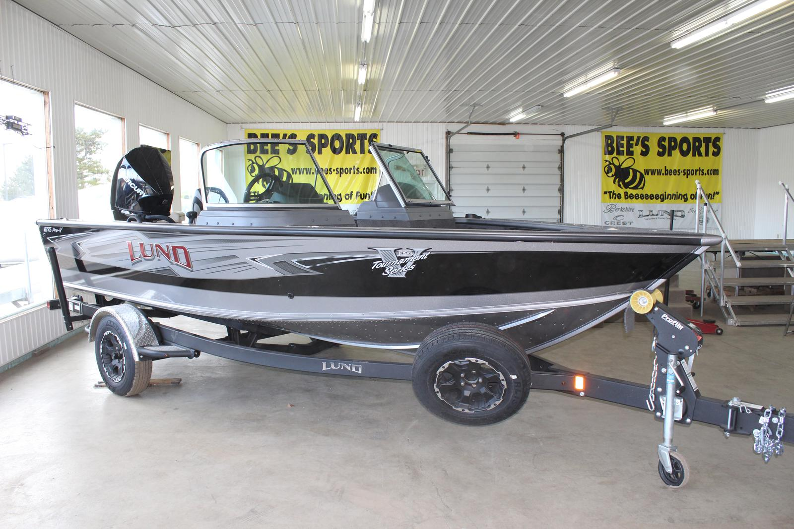 Inventory from Lund Bee's Sports St  Johns, MI (800) 233-7720