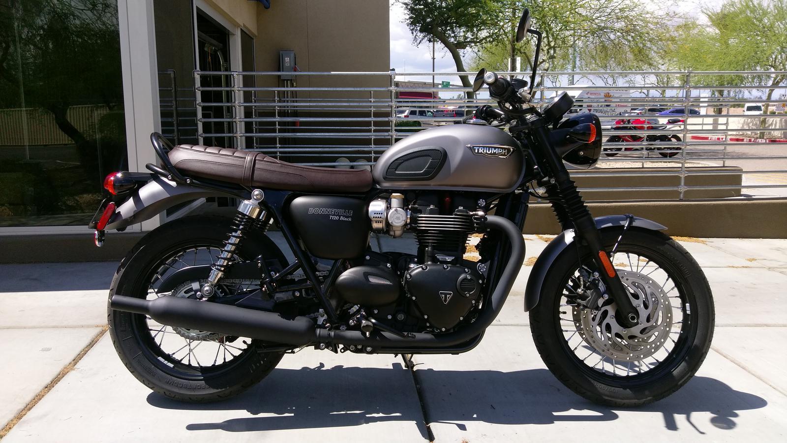 Triumph T120 Black Idea Di Immagine Del Motociclo