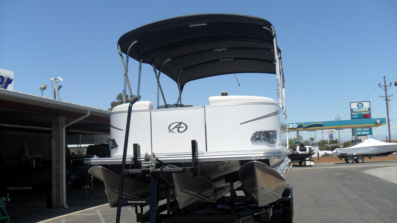 2017 Avalon LSZ Entertainer 24-Mercury 150hp for sale in Madera, CA