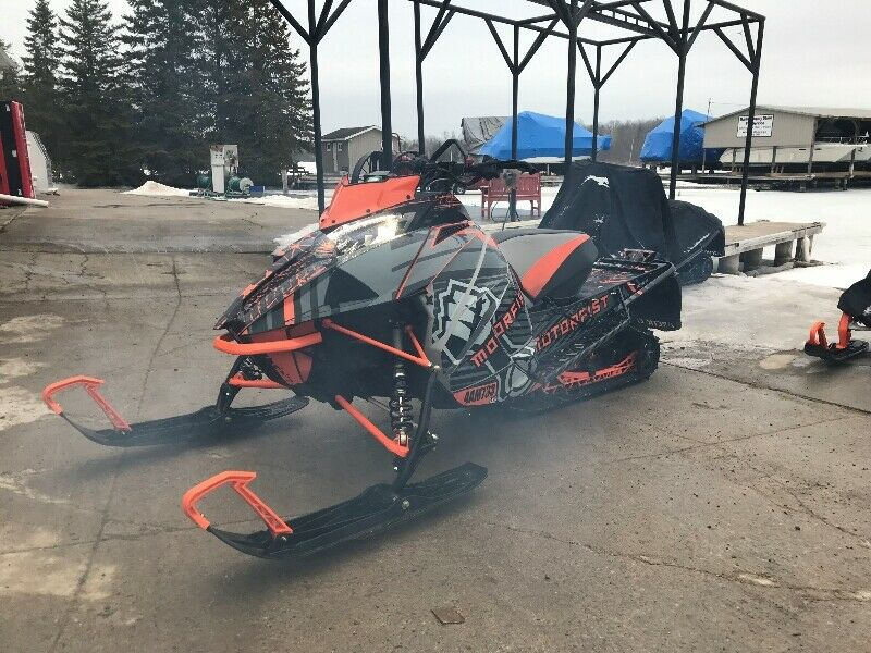 Snowmobile from Arctic Cat Birch Point Marina Bobcaygeon, ON