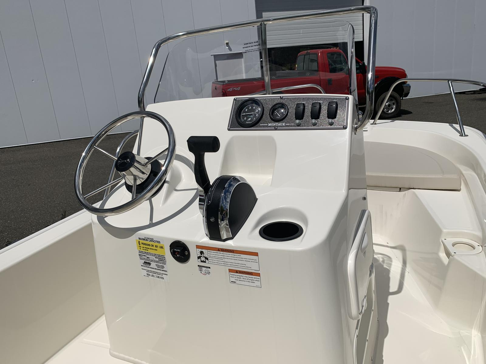 2019 Boston Whaler 150 Montauk for sale in Brookfield, CT