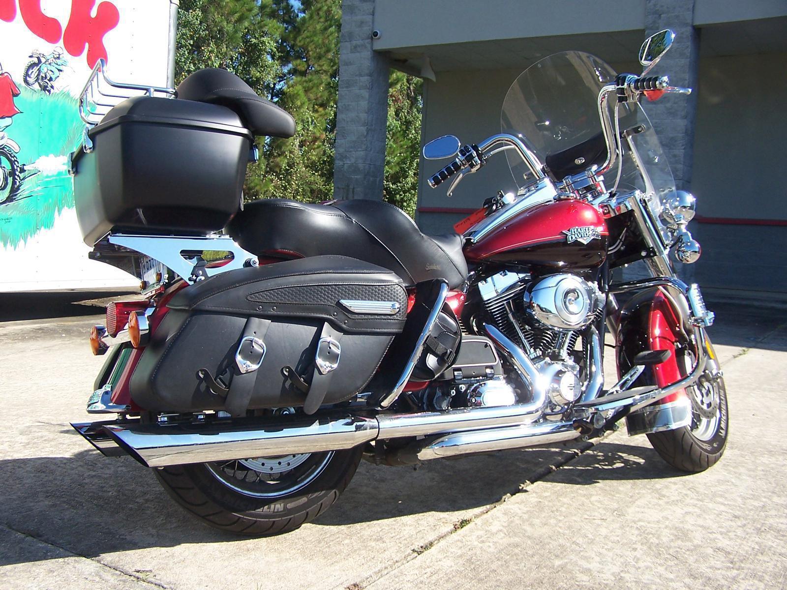 2013 Harley-Davidson® FLHRC Road King Classic