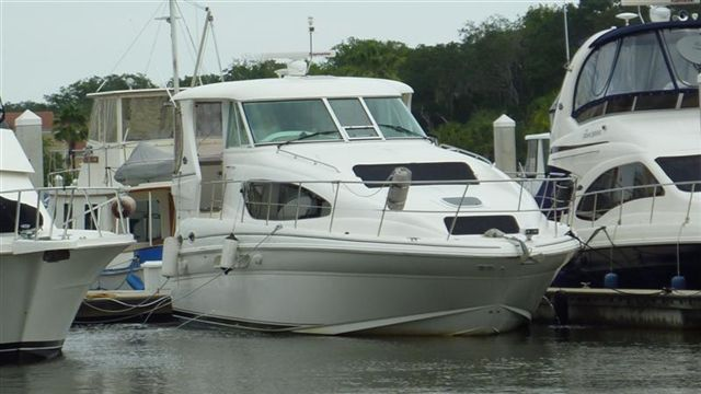 2004 Sea Ray 390 Motor Yacht for sale in Delray Beach, FL | Admiralty Yacht Sales, Inc. (561) 330-9095