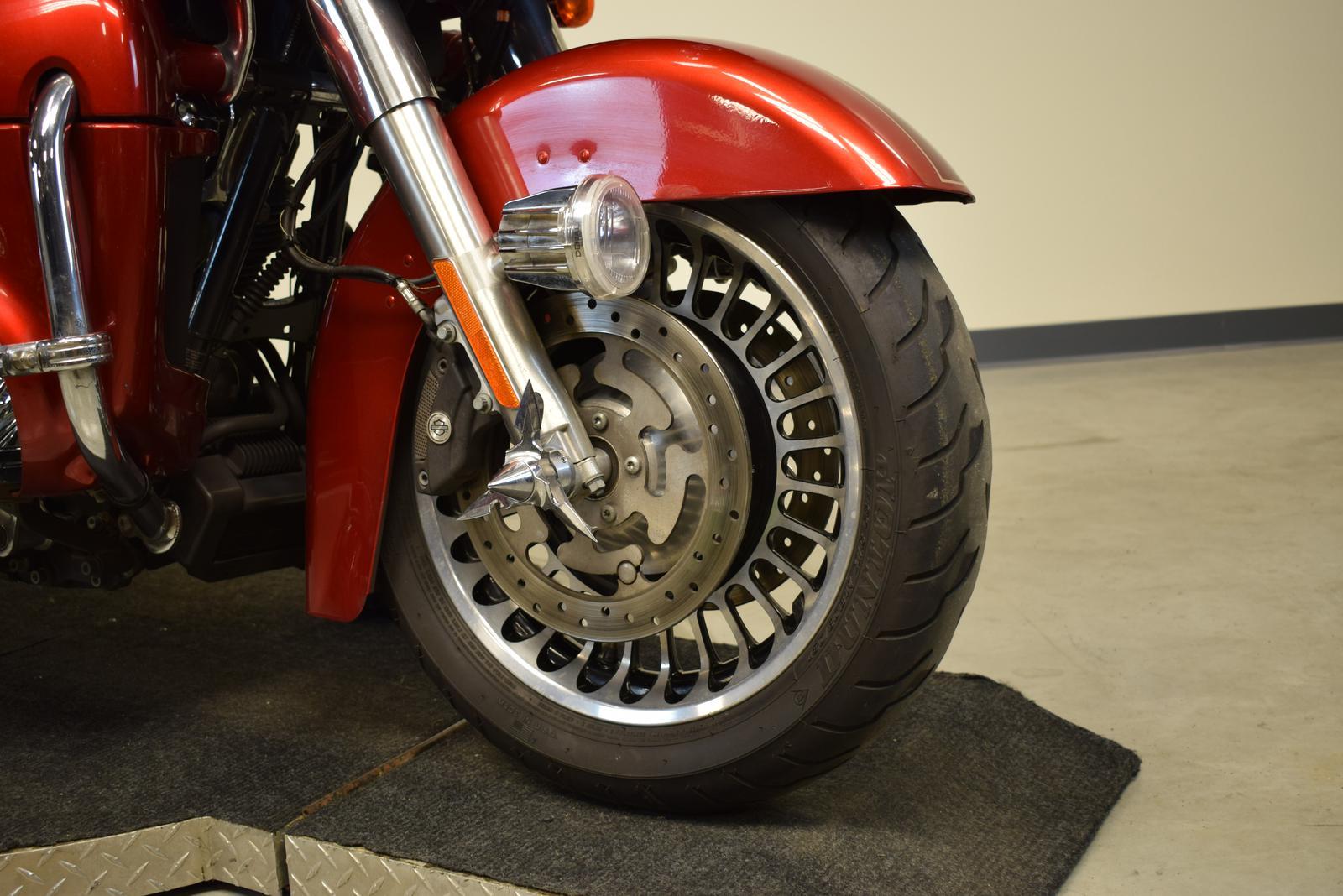 2012 Harley-Davidson® FLTRU103 - ROAD GLIDE
