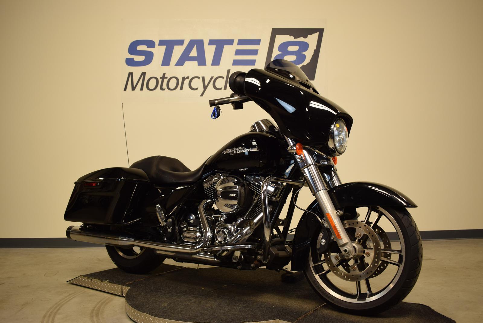 2014 Harley-Davidson® FLHX - STREET GLIDE
