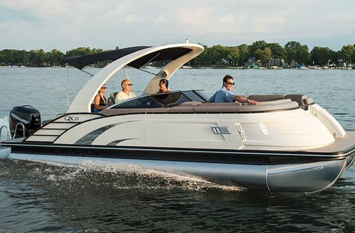 Bennington QX Series Pontoon Boats