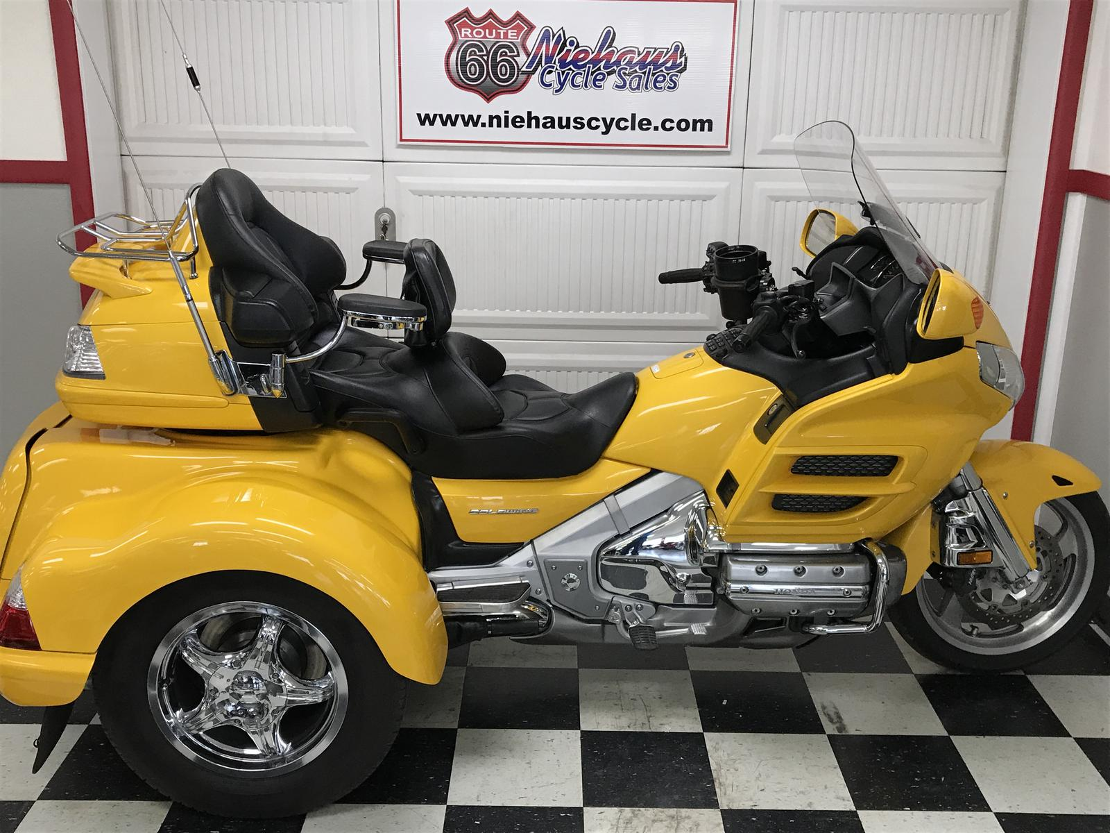 2010 Honda GL1800HP GOLD WING COMFORT/LEHMAN MONARCH II TRIKE For Sale In  Litchfield, IL | Niehaus Cycle Sales (217) 324 6565