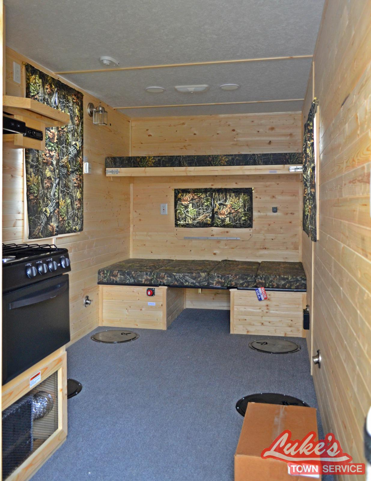 2017 ice castle lake of the woods jr. 6.5' x 14' for sale in elie