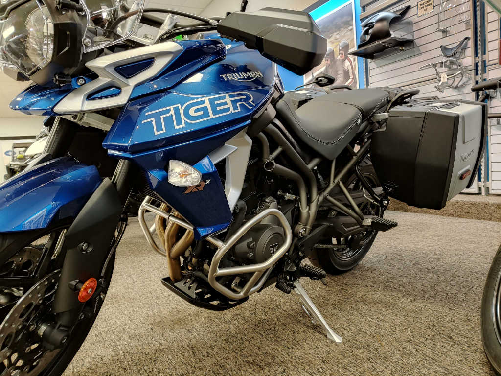 Enjoyable 2019 Triumph Tiger 800 Xrx Low Onthecornerstone Fun Painted Chair Ideas Images Onthecornerstoneorg