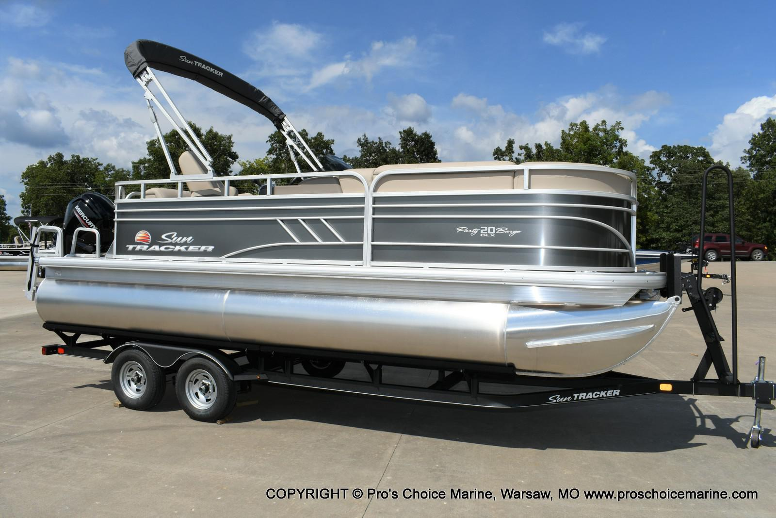 2020 Sun Tracker PARTY BARGE 20 DLX
