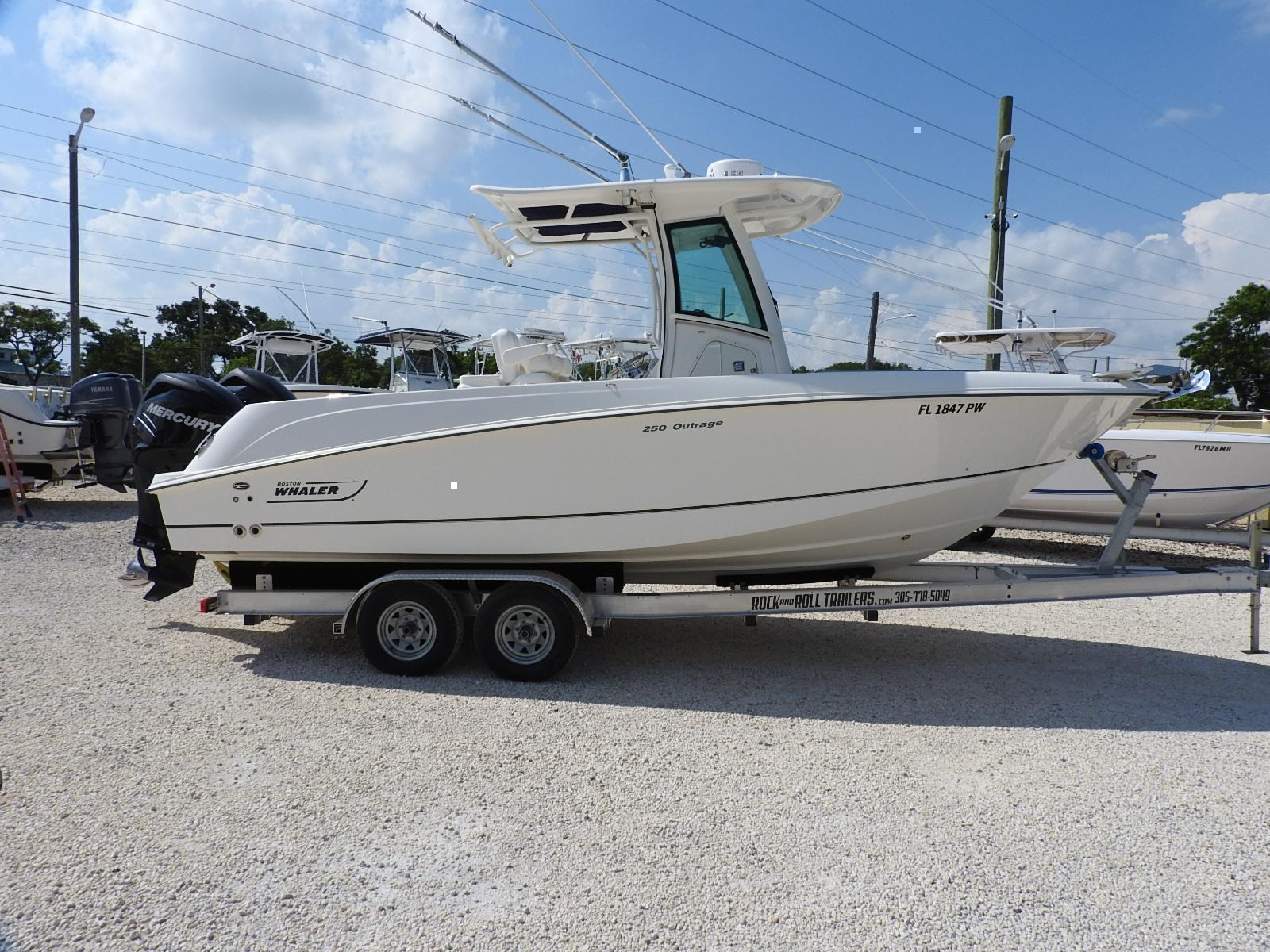 2014 Boston Whaler 250 Outrage for sale in Key Largo, FL  Nations