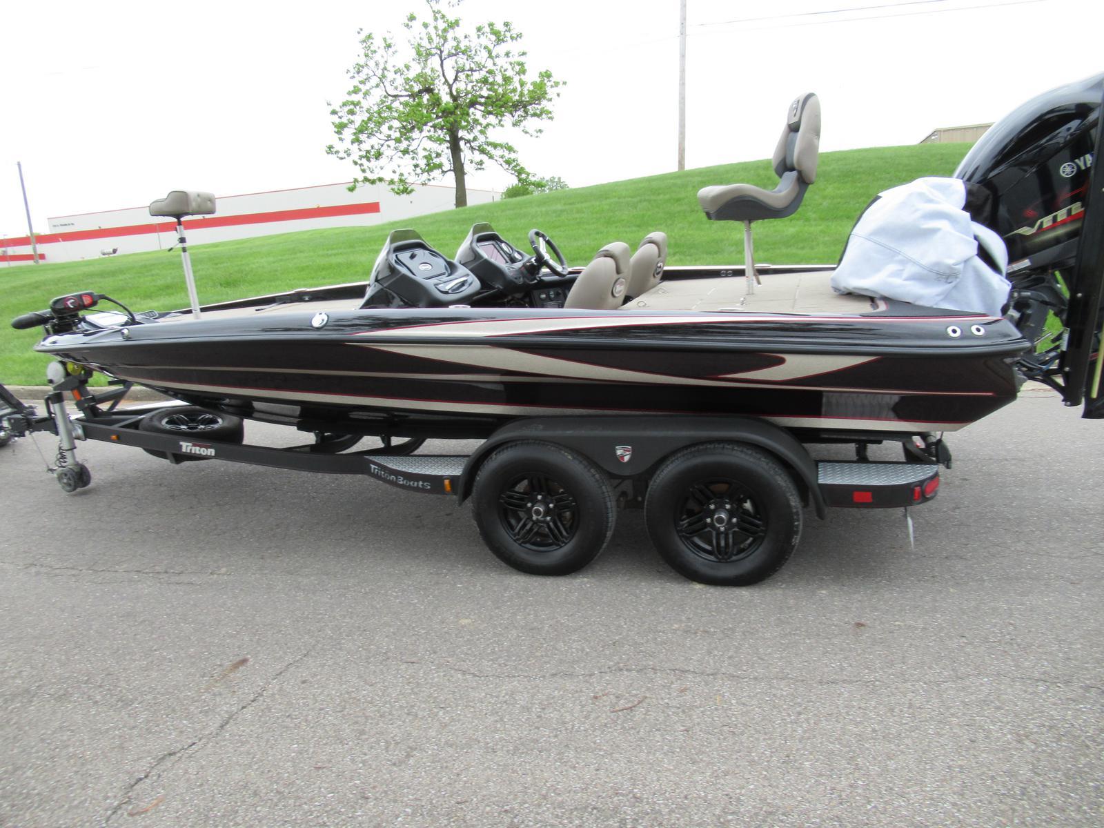 2016 Triton Boats 20 TrX