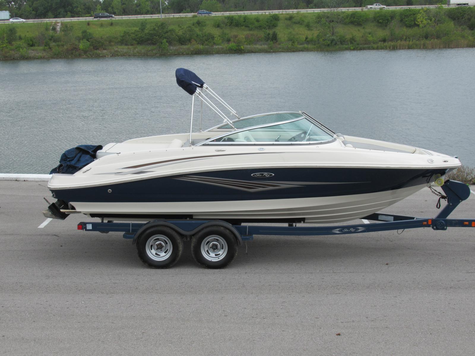 2010 Sea Ray 210 Select Boat