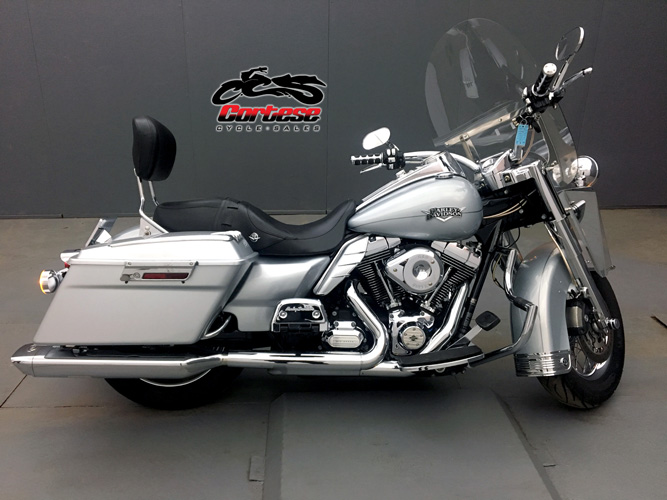 2011 Harley-Davidson® FLHRC - Road King® Classic