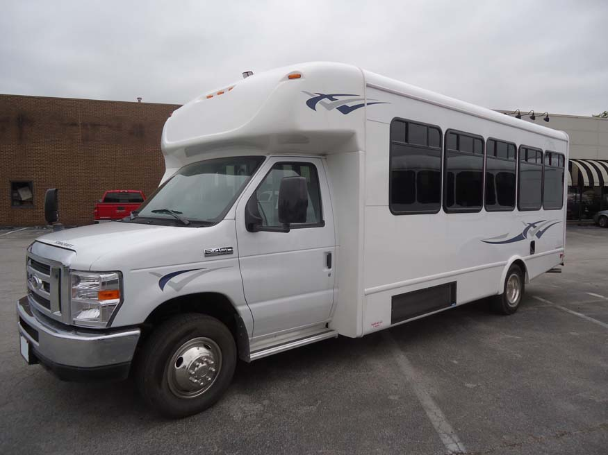2016 STARCRAFT Ford Allstar 26 passenger bus for sale in