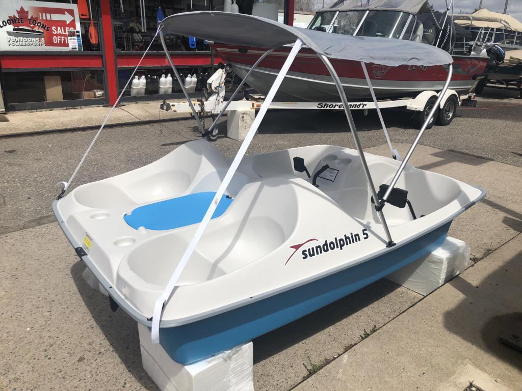 2019 Sundolphin 5 Person Peddle Boat