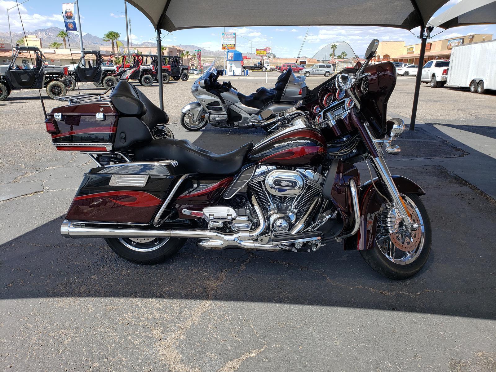 2013 Harley-Davidson® CVO ELECTRA GLIDE