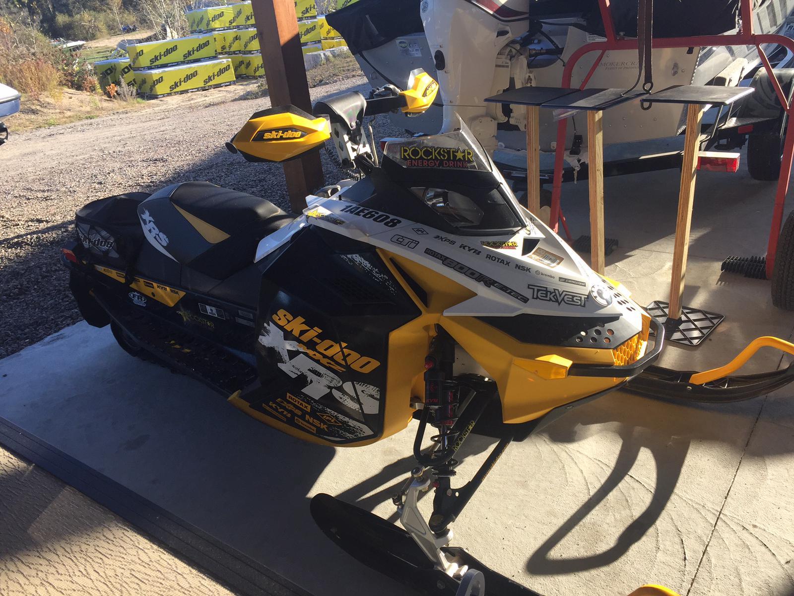 2011 Ski Doo MXZ XRS 800 E-TEC