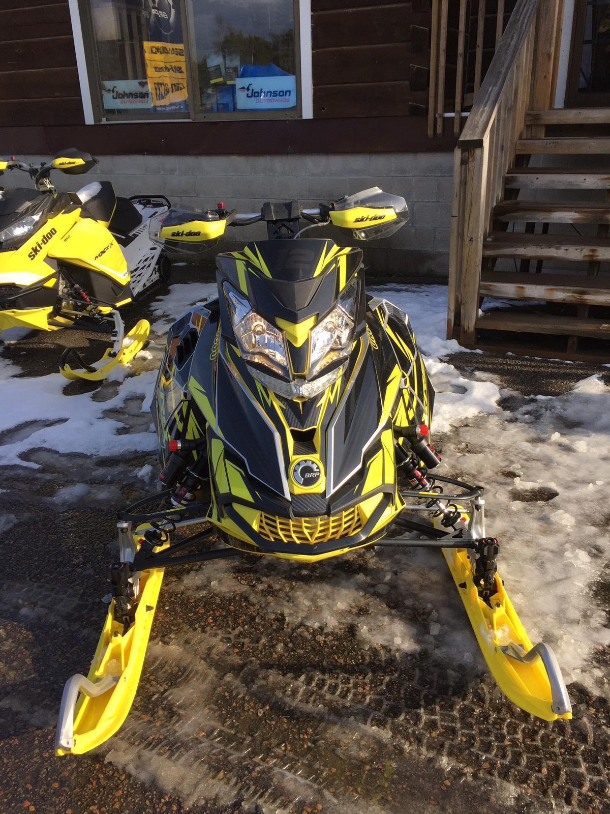 2016 Ski Doo MXZ XRS 800 E-TEC   2 of 2