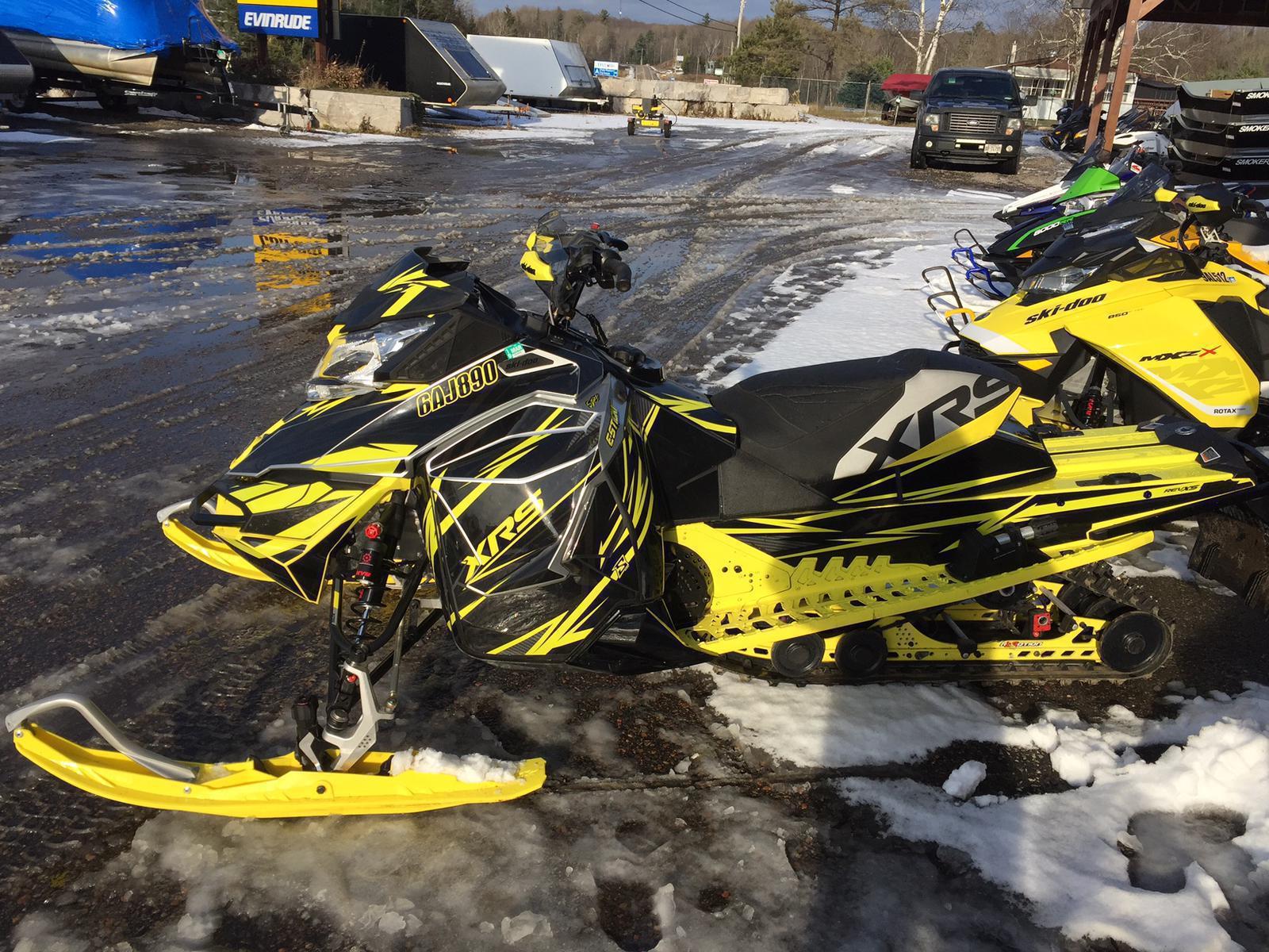2016 Ski Doo MXZ XRS 800 E-TEC   1 of 2