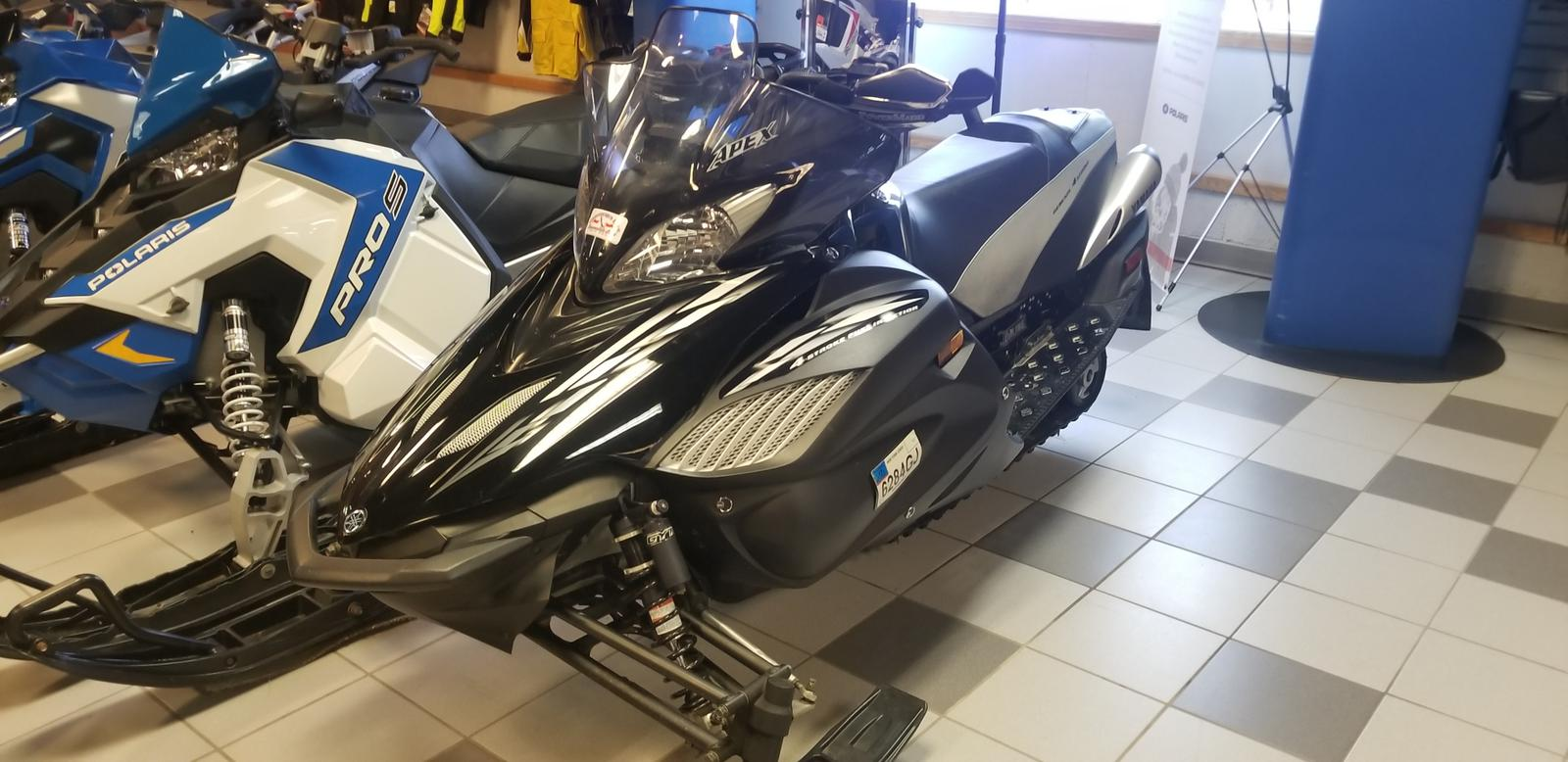 used inventory from yamaha off road express Polaris 340 Snowmobile 2006 apex gt