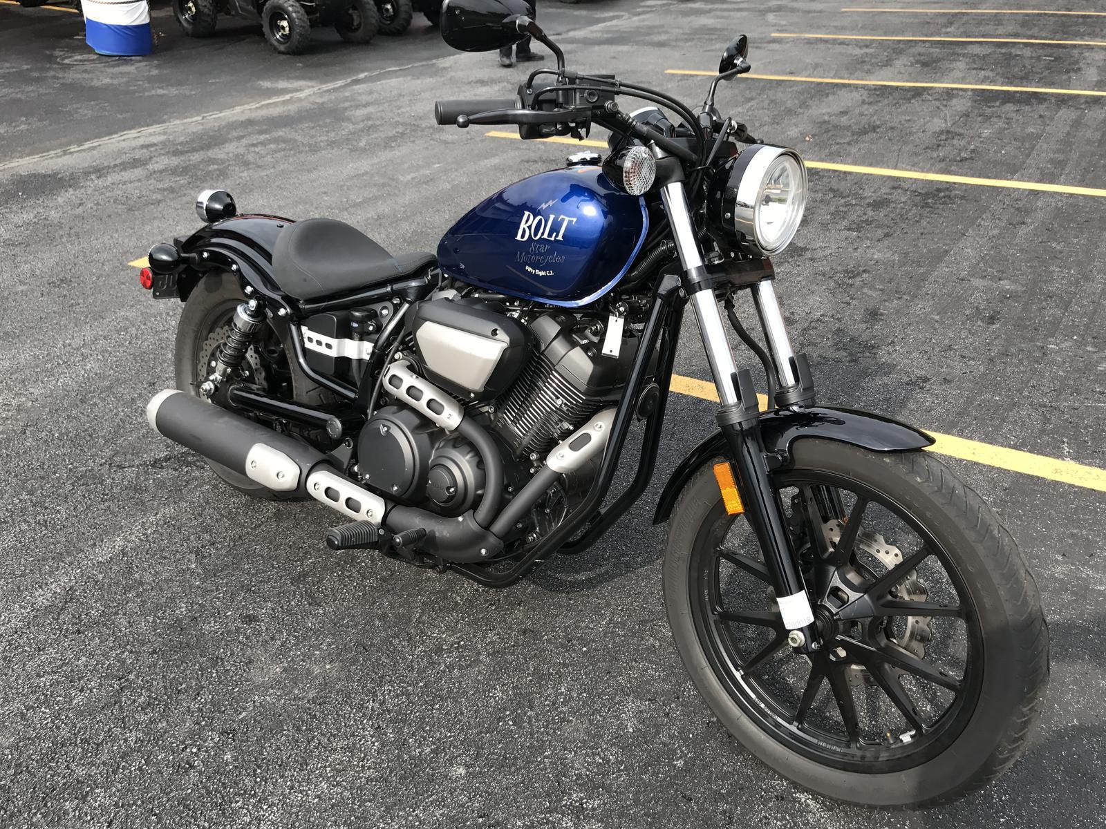 2016 Yamaha BOLT 1