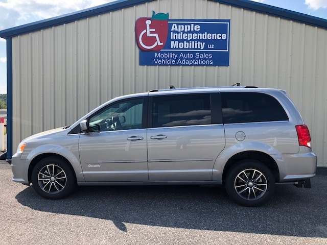 2017 Dodge Caravan Revability Manual Rear Entry Conversion Le Independence Mobility Cookeville Tn 877 528 5788