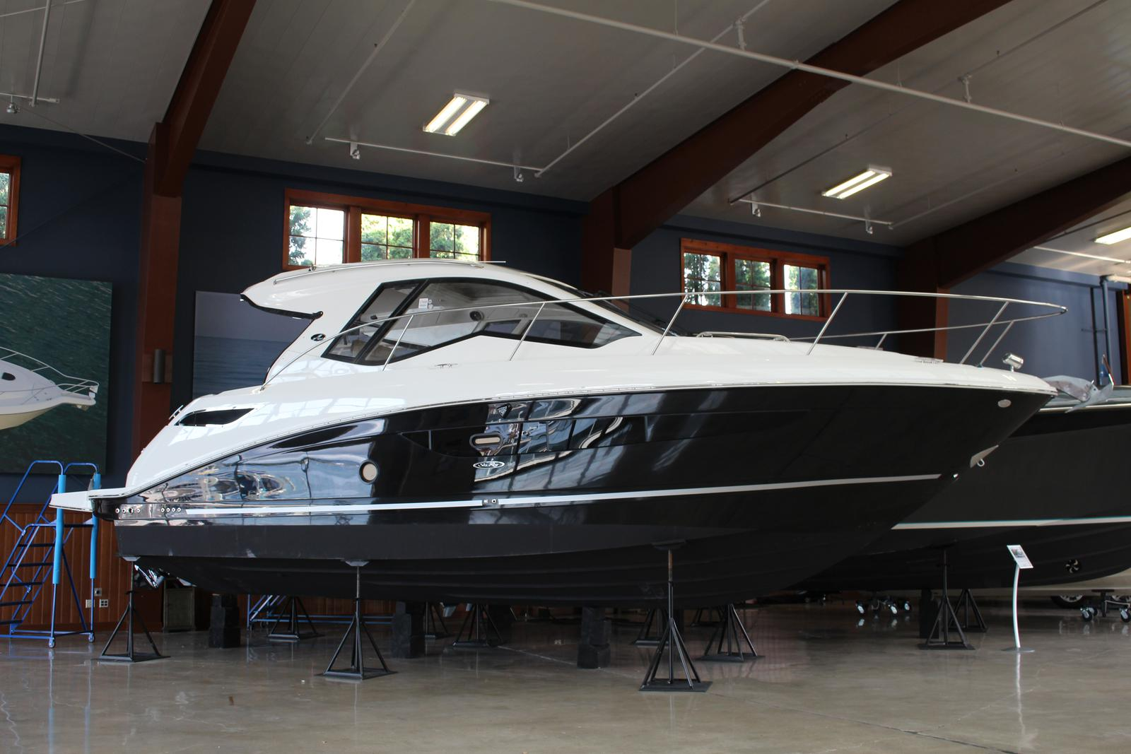 2018 Sea Ray Sundancer 350 Coupe for sale in Harbor Springs, MI