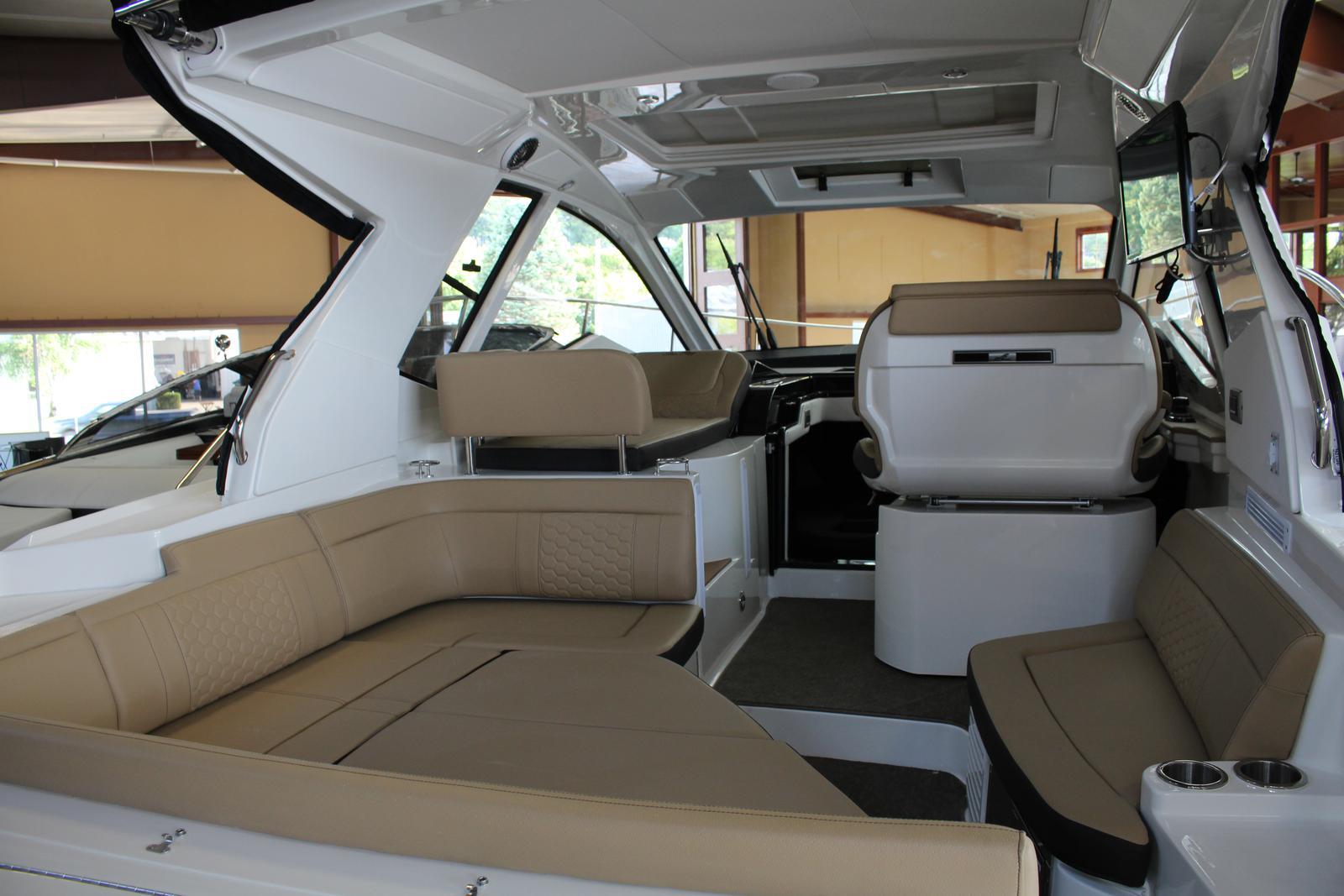 2018 Sea Ray Sundancer 350 Coupe For Sale In Harbor Springs Mi