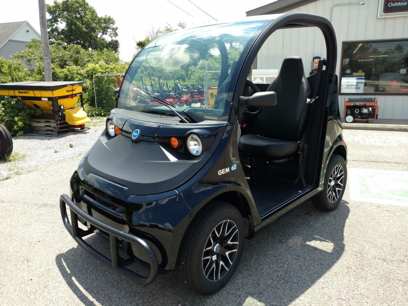 2016 Global Electric Motorcars GEM e2 Electric Cart for sale in