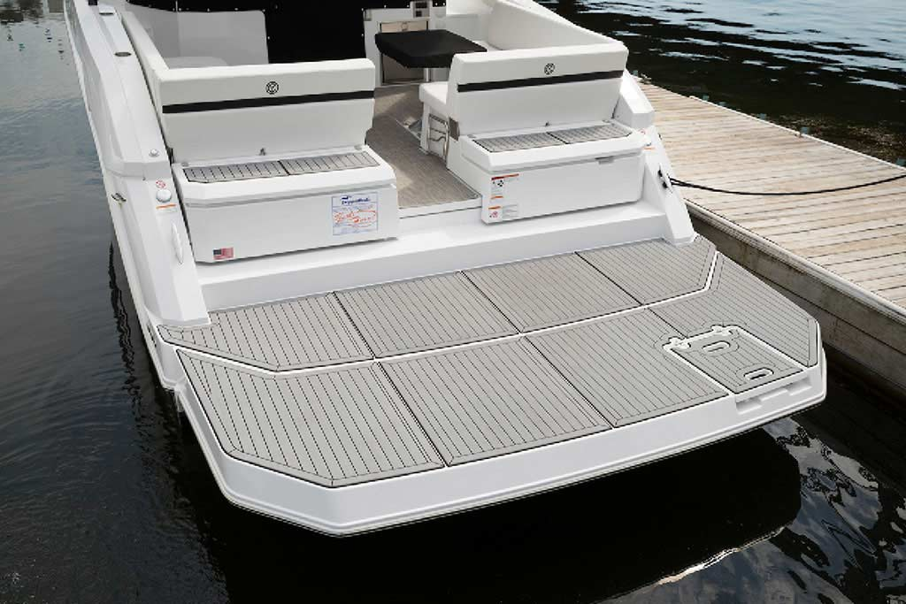 2020 Cruisers Yachts 39 Express Coupe for sale in Louisville