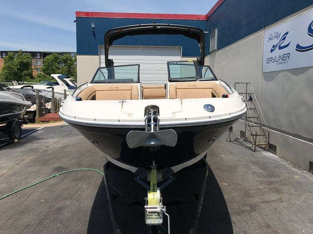 Inventory from Bennington and Sea Ray Sea Ray of Louisville