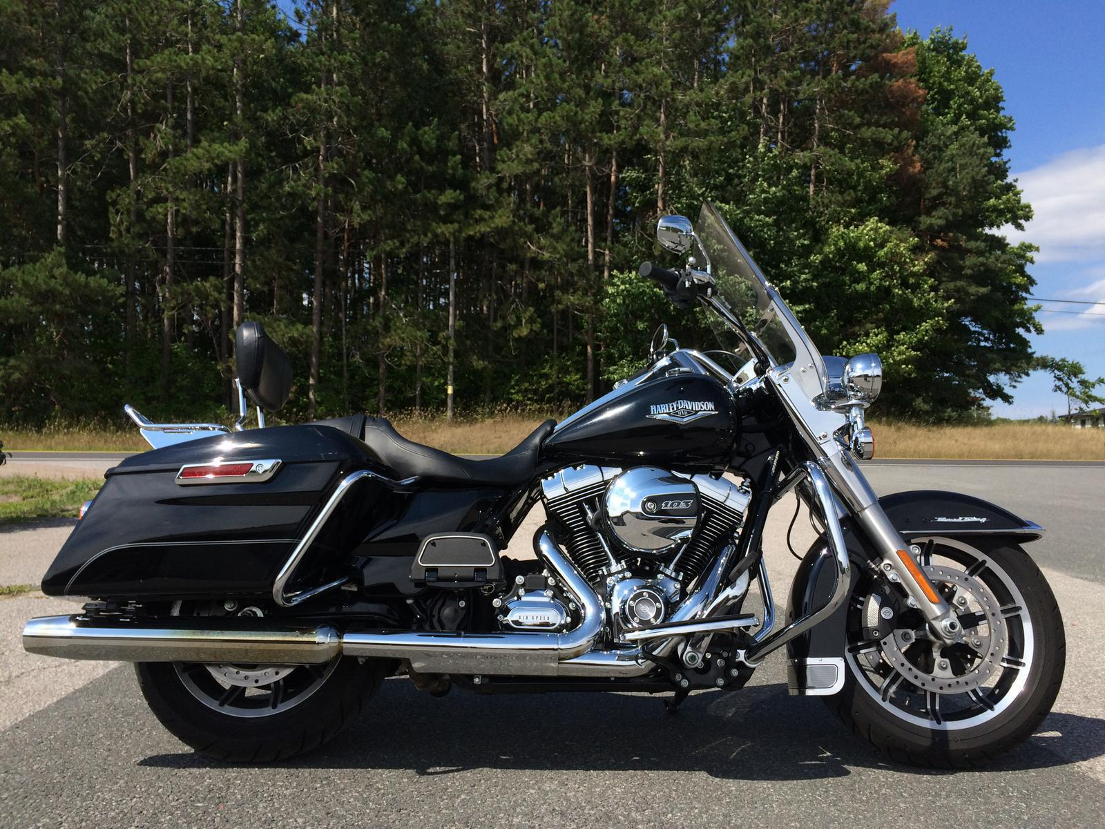 2015 Harley Davidson FLHR Road King for sale in Lakefield ON