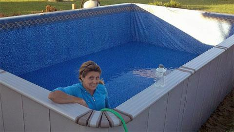 mary-ezpanel-pool-2013.jpg