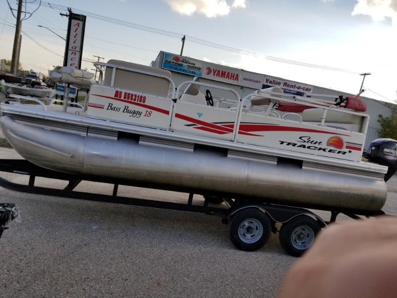Sun Tracker Pontoon Boats >> 2011 Sun Tracker Bass Buggy 18 Pontoon Boat
