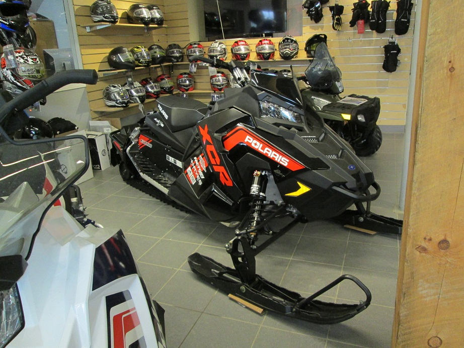 2018 Polaris Industries 600 Switchback® XCR ES Snow check select sled