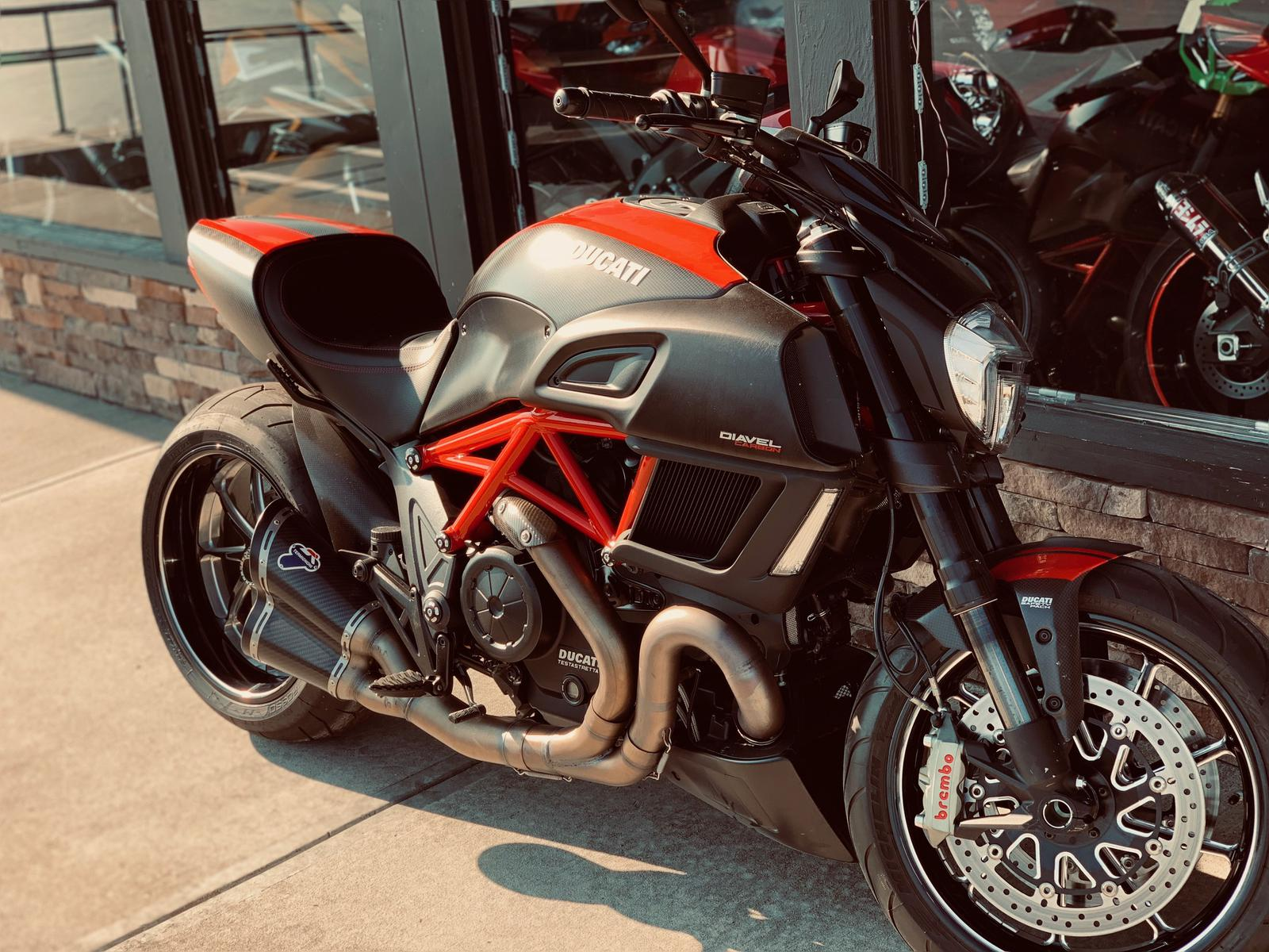 2015 Ducati Diavel Carbon Red And Matt Carbon For Sale In