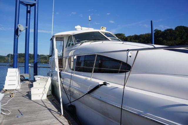 2002 Sea Ray 480 Motor Yacht - 3