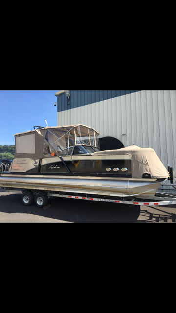 2017 Avalon 2585 Catalina Platinum Elite Windshield