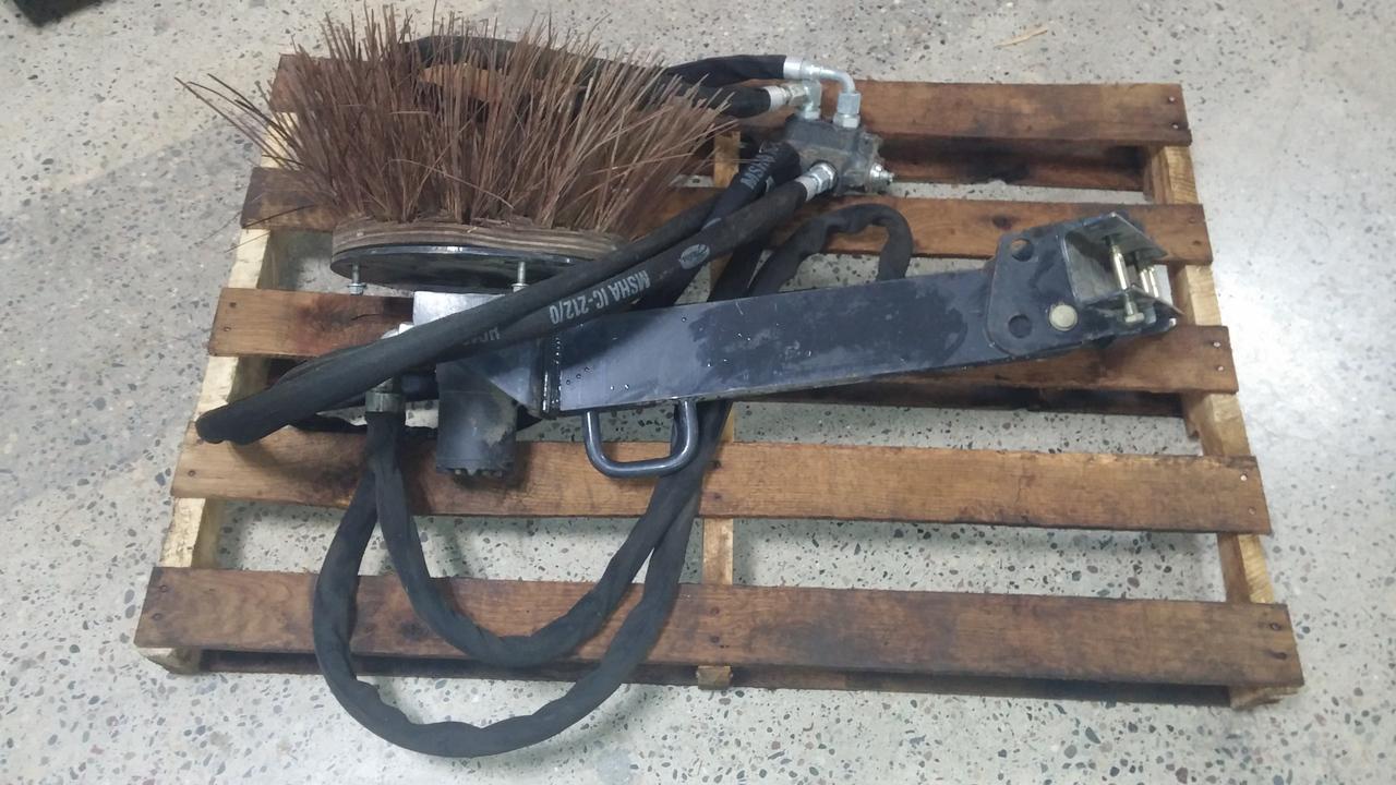 bobcat gutter brush kit 3 - Gutter Brush