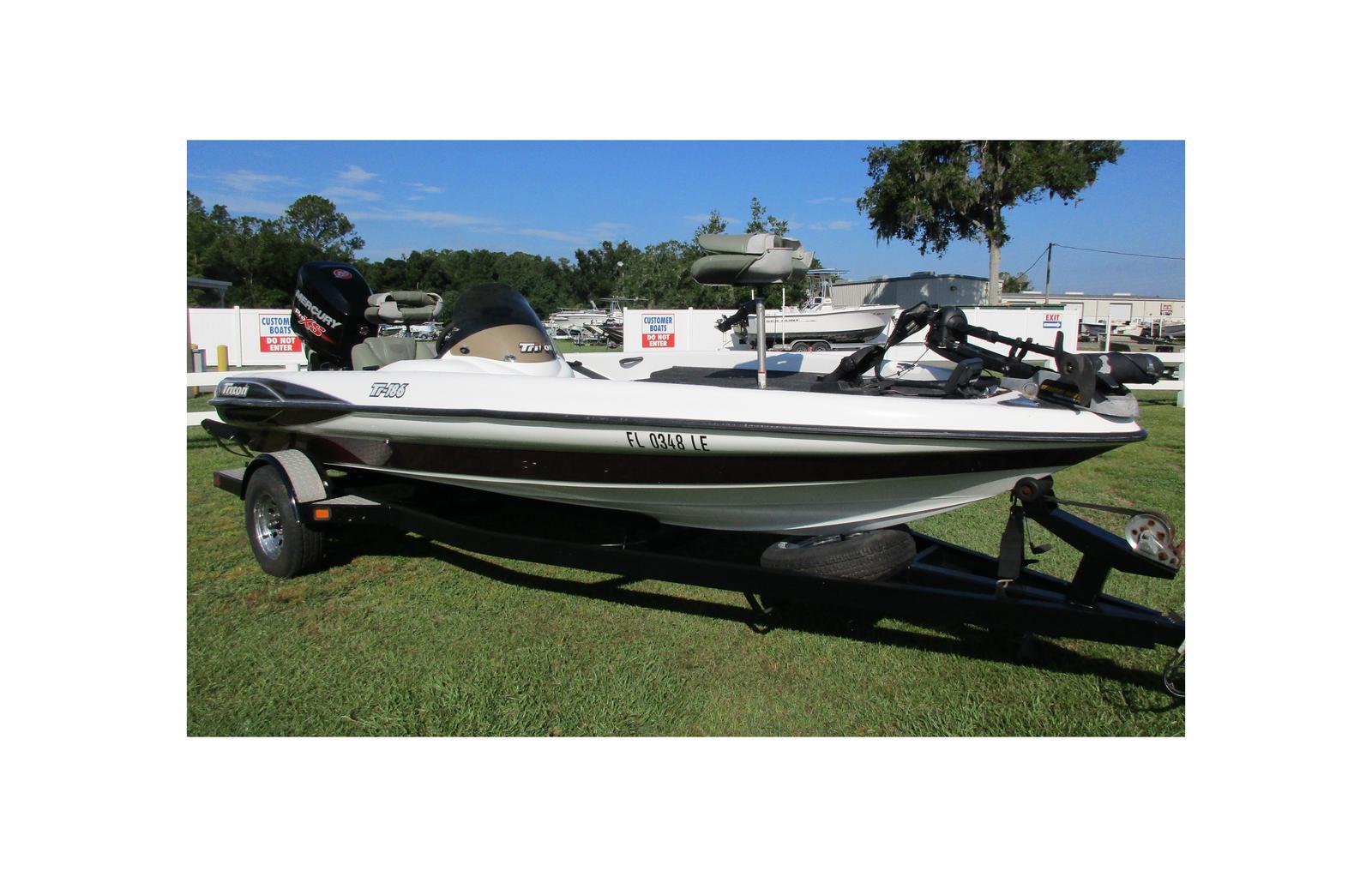 2000 Triton Boats TR-186