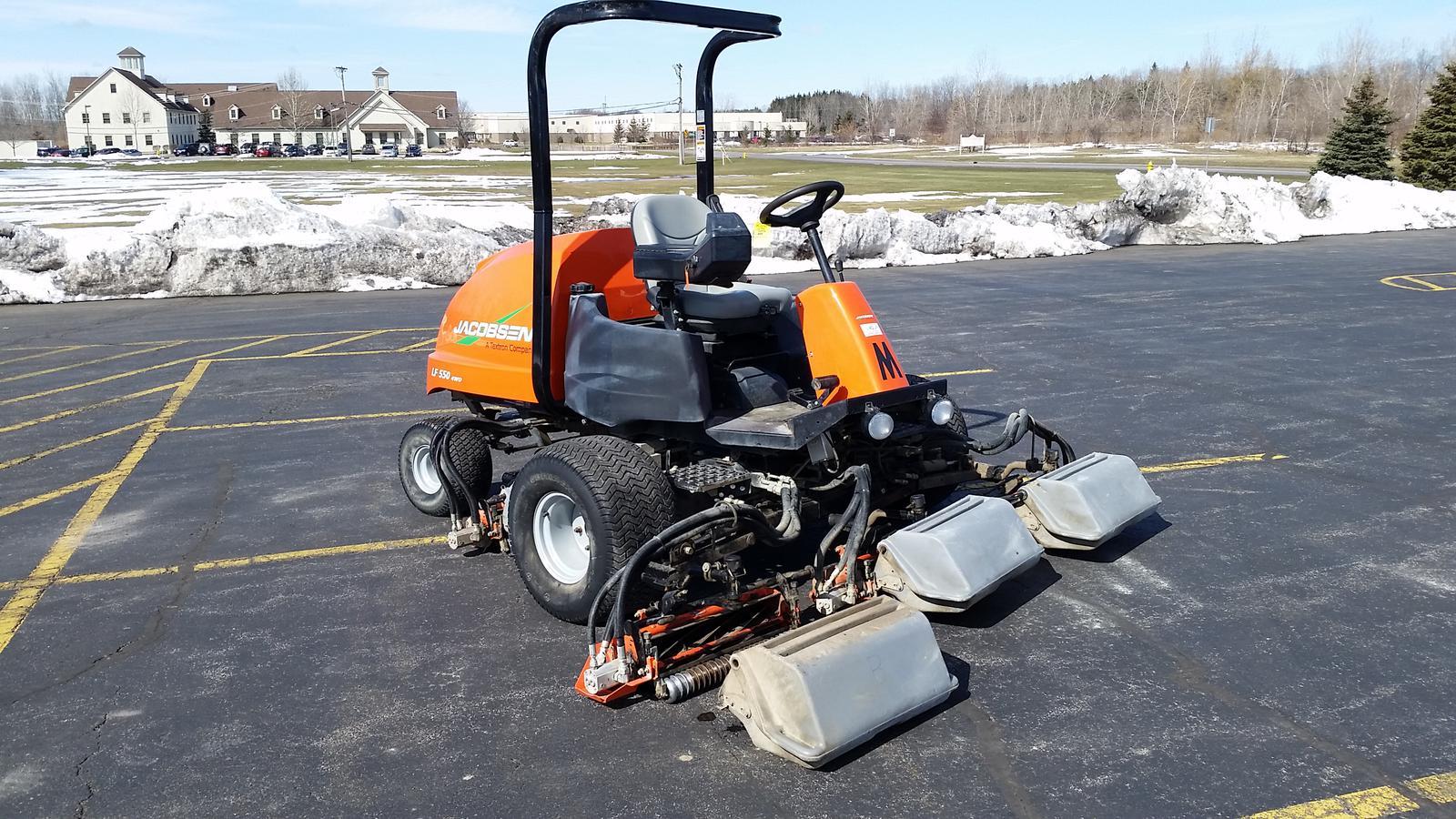 Used Fairway Mower from Jacobsen MTE Turf Equipment Solutions