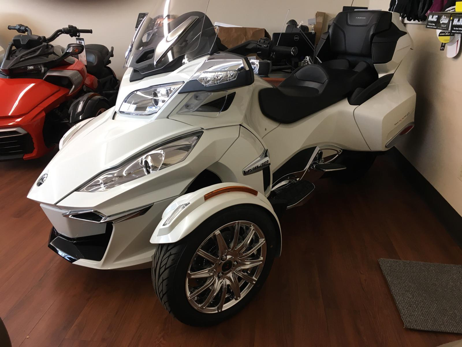 2017 Can-Am RT LIMITED for sale in North Chelmsford, MA | ROUTE 3A MOTORS, INC. (978) 251-4440