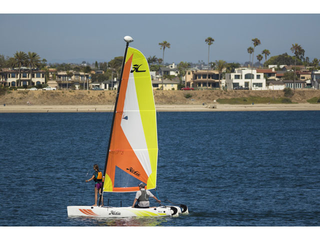2017 Hobie Cat Rotomolded Sailboat Wave