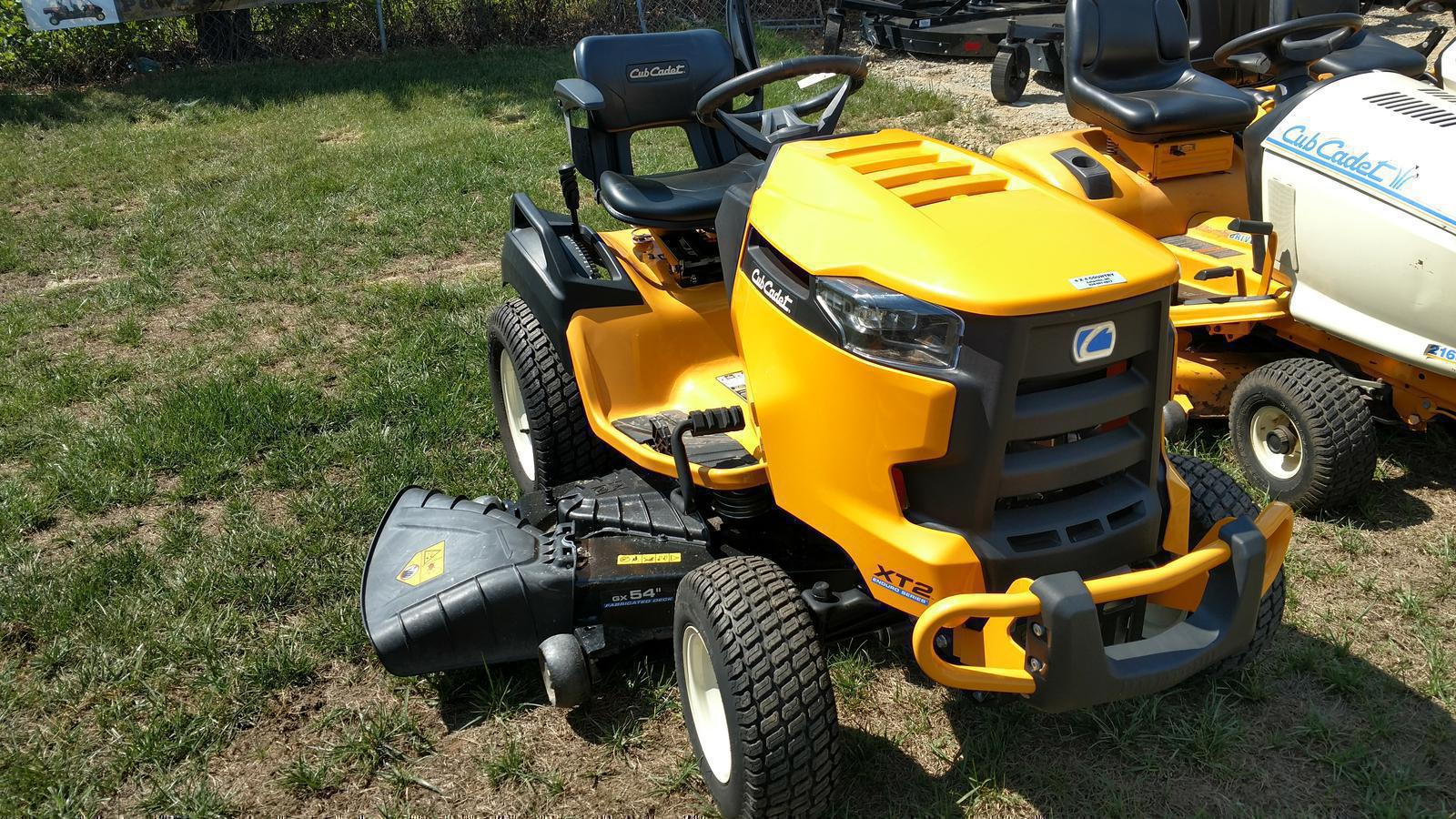 Inventory 4 x 4 Country & Cub Cadet