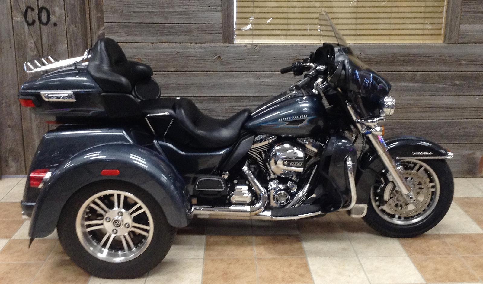 2015 Harley-Davidson® FLHTCUTG Tri Glide® Ultra - Color