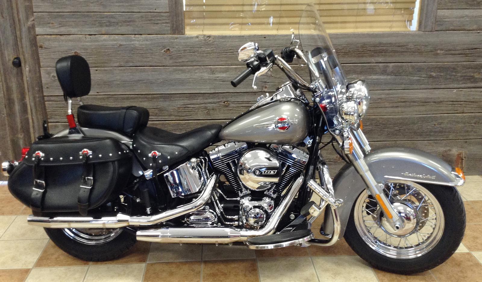 2016 Harley-Davidson® FLSTC Heritage Softail® Classic - Color Option