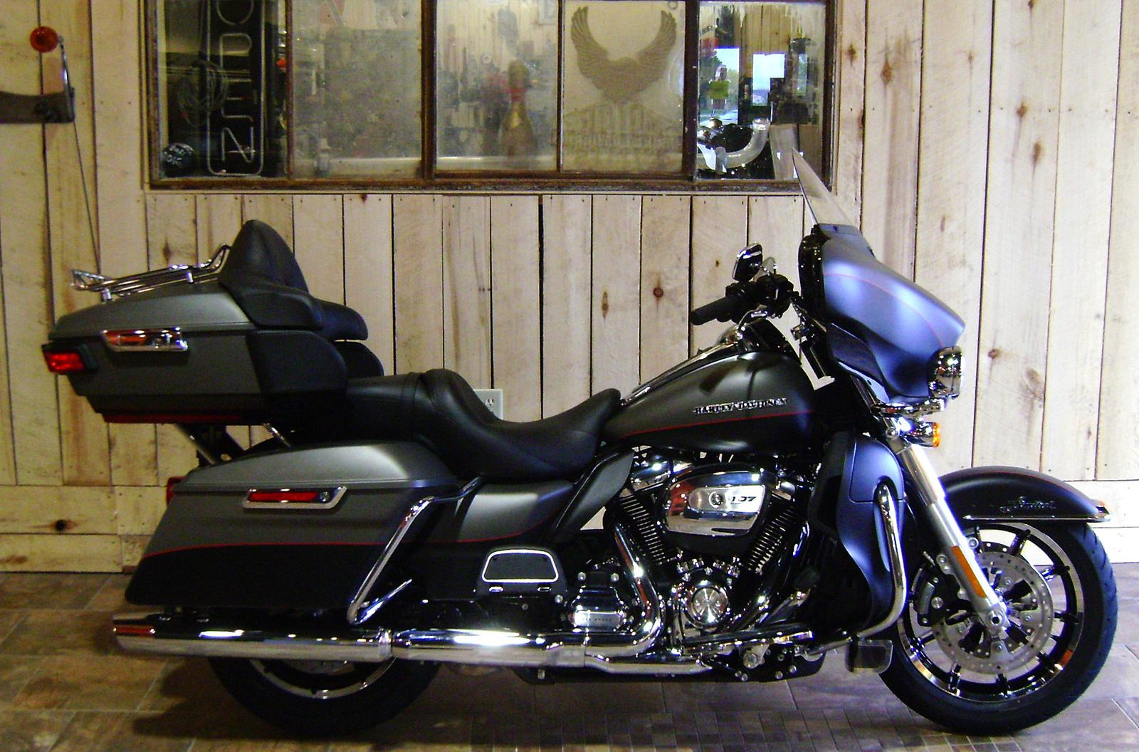 703156d2d27 2018 Harley-Davidson® Ultra Limited - Two-Tone Option for sale in Bonduel