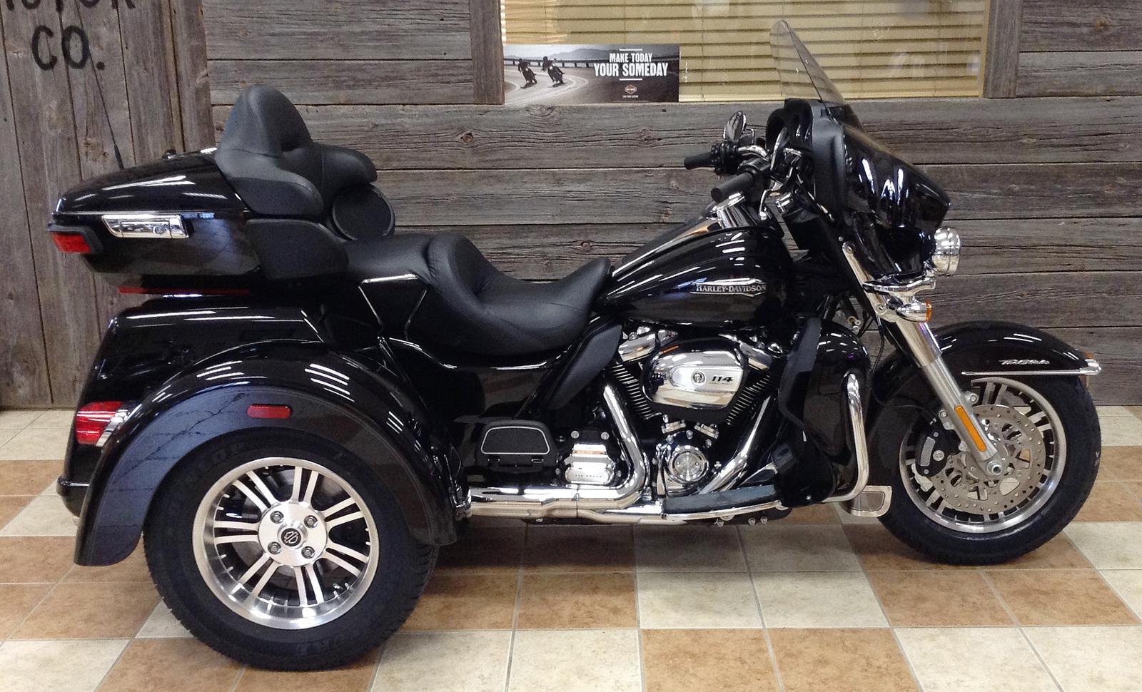 206b820d30 2019 Harley-Davidson® FLHTCUTG Tri Glide® Ultra Classic® - Doc s Harley- Davidson of Shawano County