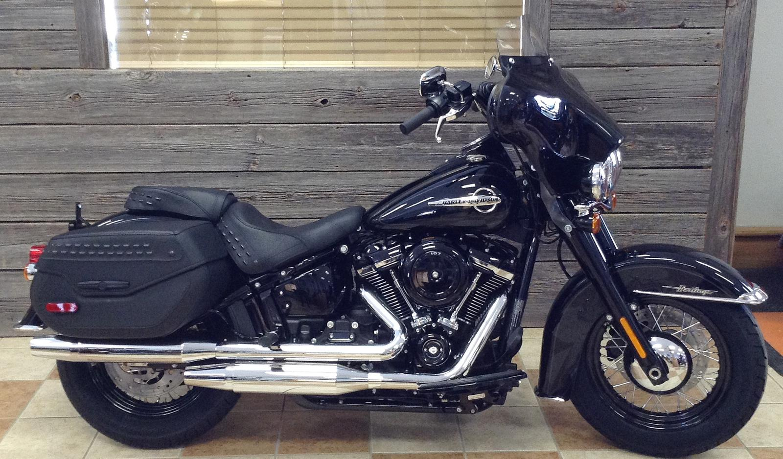 2019 Harley-Davidson® Heritage Classic 107 w/Fairing for sale in